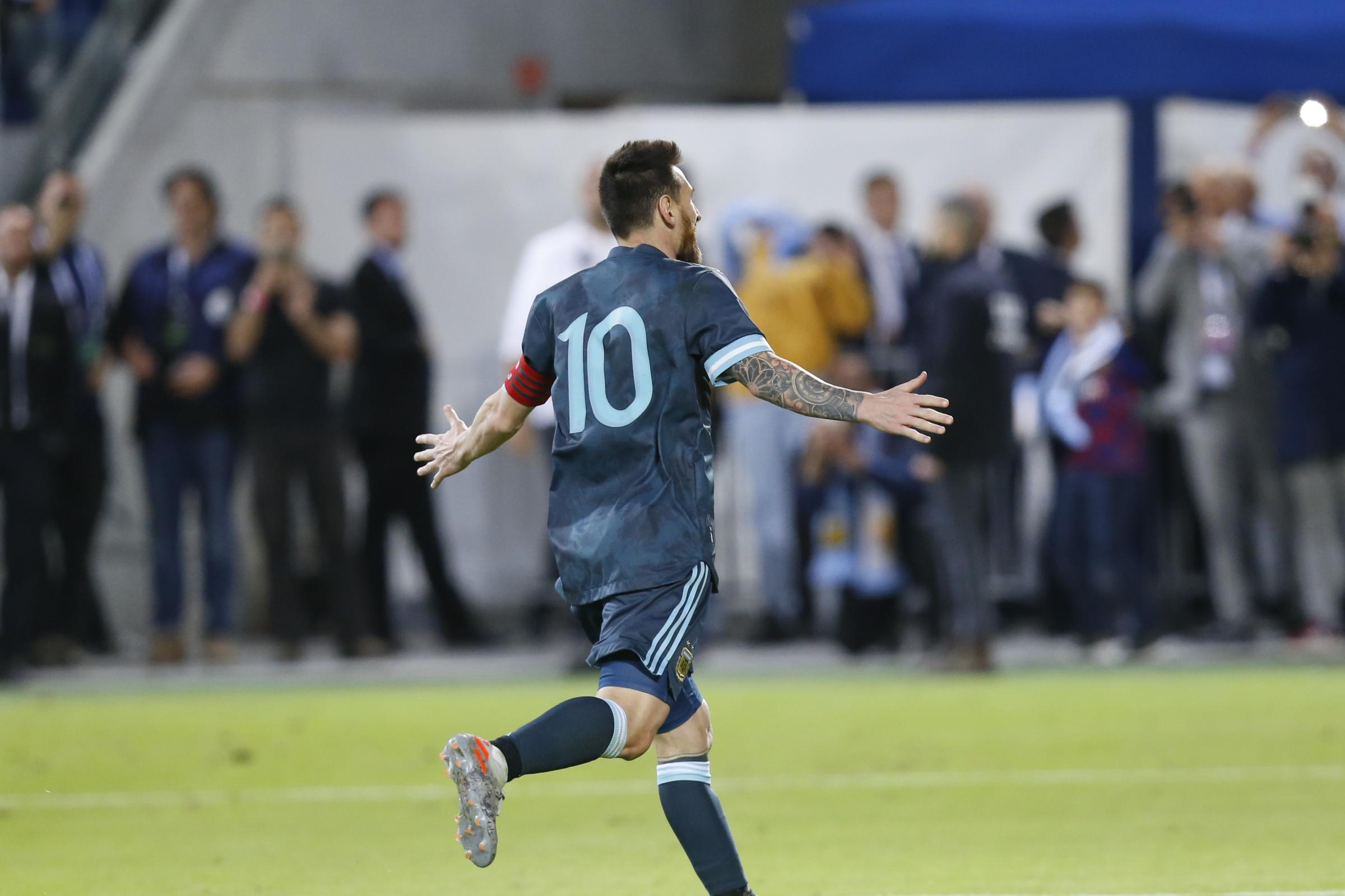 Uruguay pay the penalty as Lionel Messi salvages draw for Argentina - Dudley News