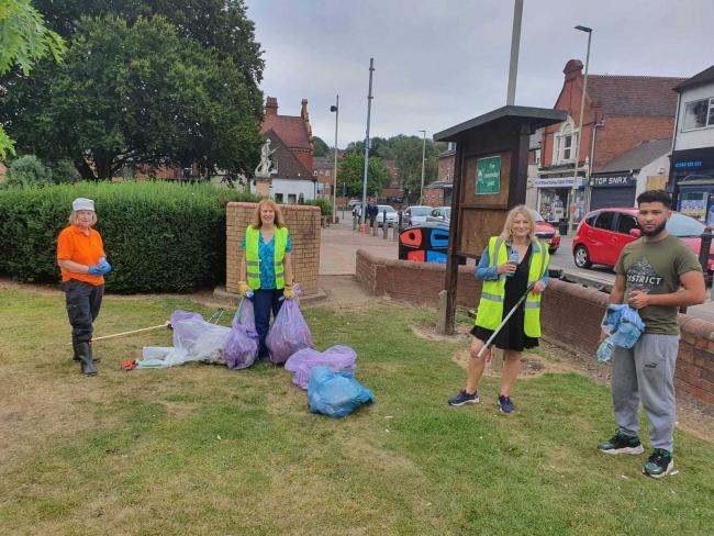 Suzanne Webb, MP for Stourbridge, joins volunteers at a community clean up in Lye