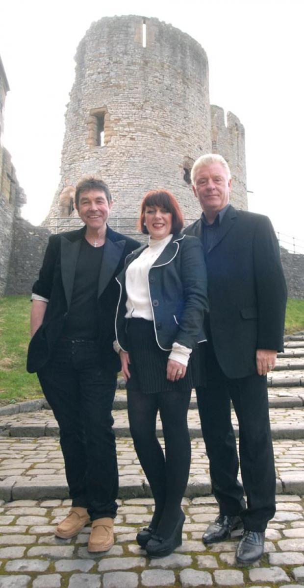 Richard Felix, Denise Mott, Derek Acorah. Buy photo: 121224M