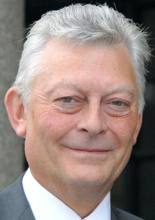 Cllr Les Jones is aiming to be the next police and crime commissioner