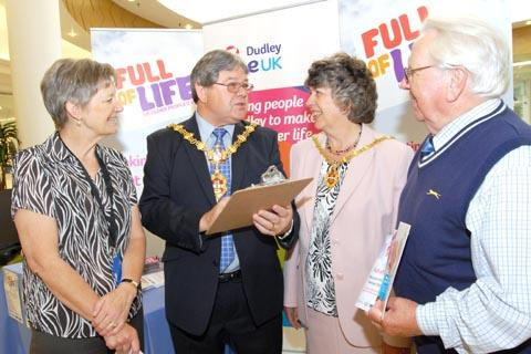 Sally Huband, Mayor Cllr Melvyn Mottram, Mayoress Michelle Mottram, Bob Ferguson. Buy photo: 381212M