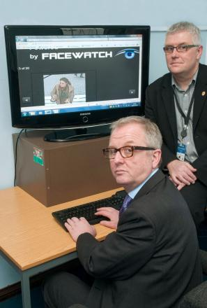 Ian Austin MP takes alook at the new Facewatch website with crime prevention design advisor PC Simon Barrett