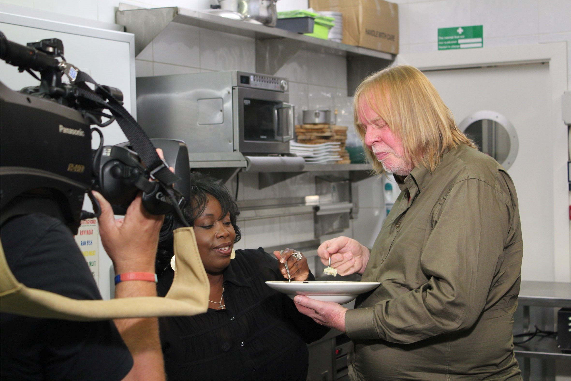 Rick Wakeman and singer Ruby Turner filming the pilot episode of Soundbites