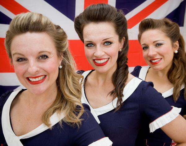 The D-Day Darlings will perform authentic wartime