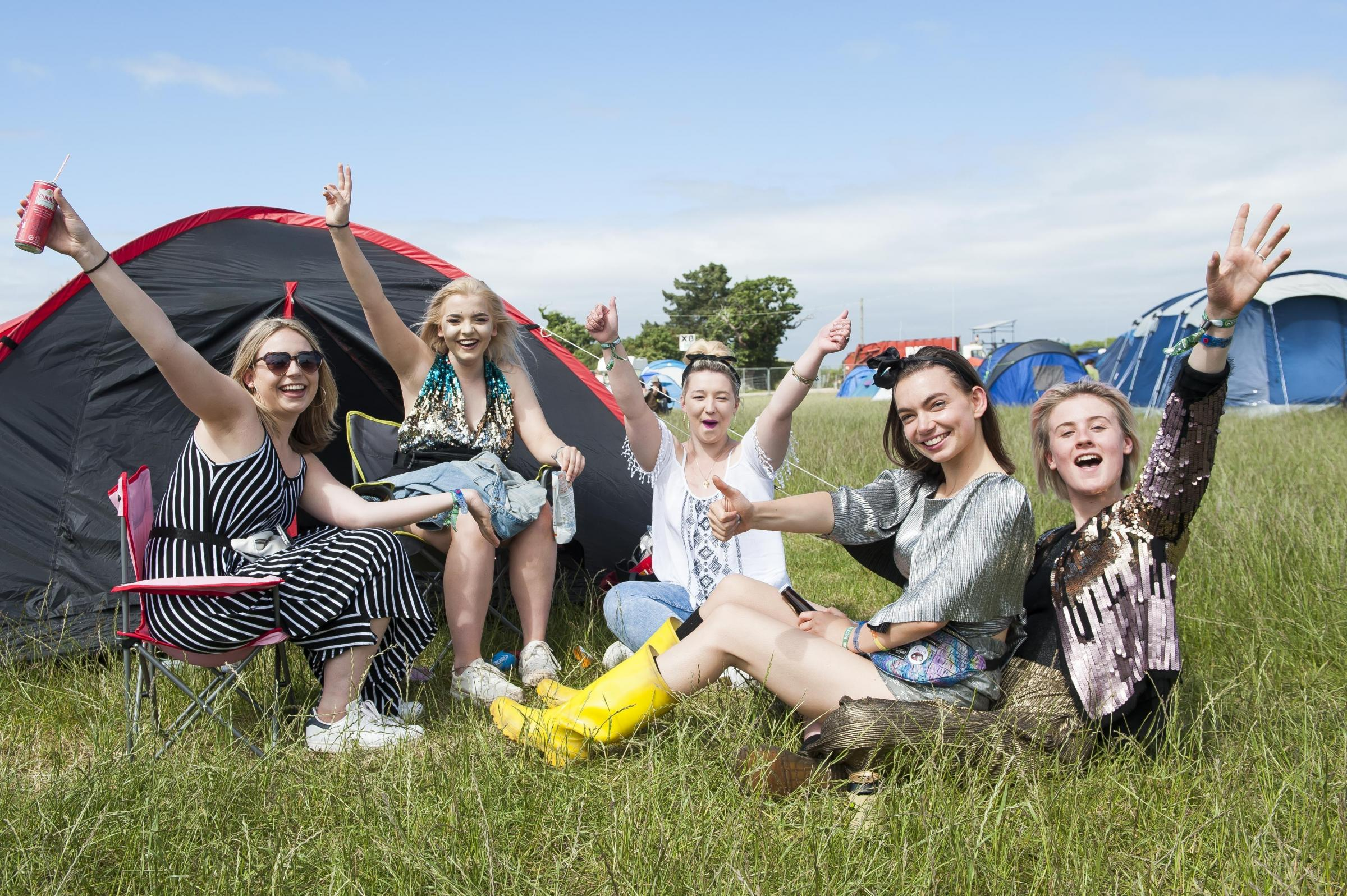 Festival-goers at Isle of Wight Festival 2017. David Jensen/PA Archive/PA Images