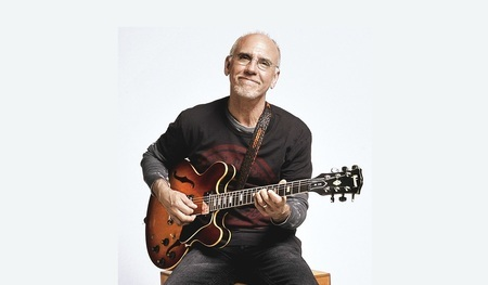 Larry Carlton presented by Ronnie Scott's (jazz guitar, fusion, funk)
