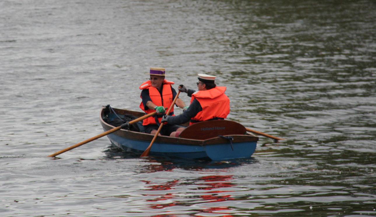 Evesham clergy rowing to raise money for Holland House