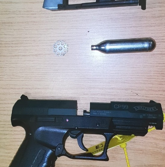 The firearm seized by police in Quarry Bank. Photo: @JHarrisonWMP on Twitter.