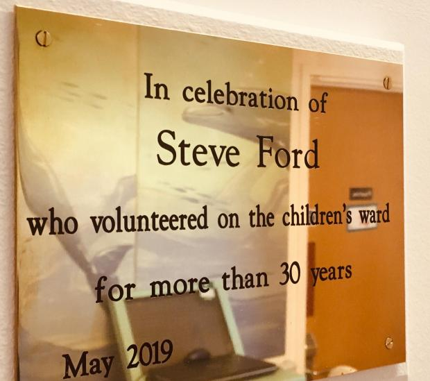 Dudley News: The plaque honouring late hospital volunteer Steve Ford